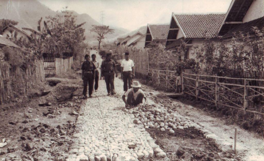 Abri masuk Desa, Malang 1970an